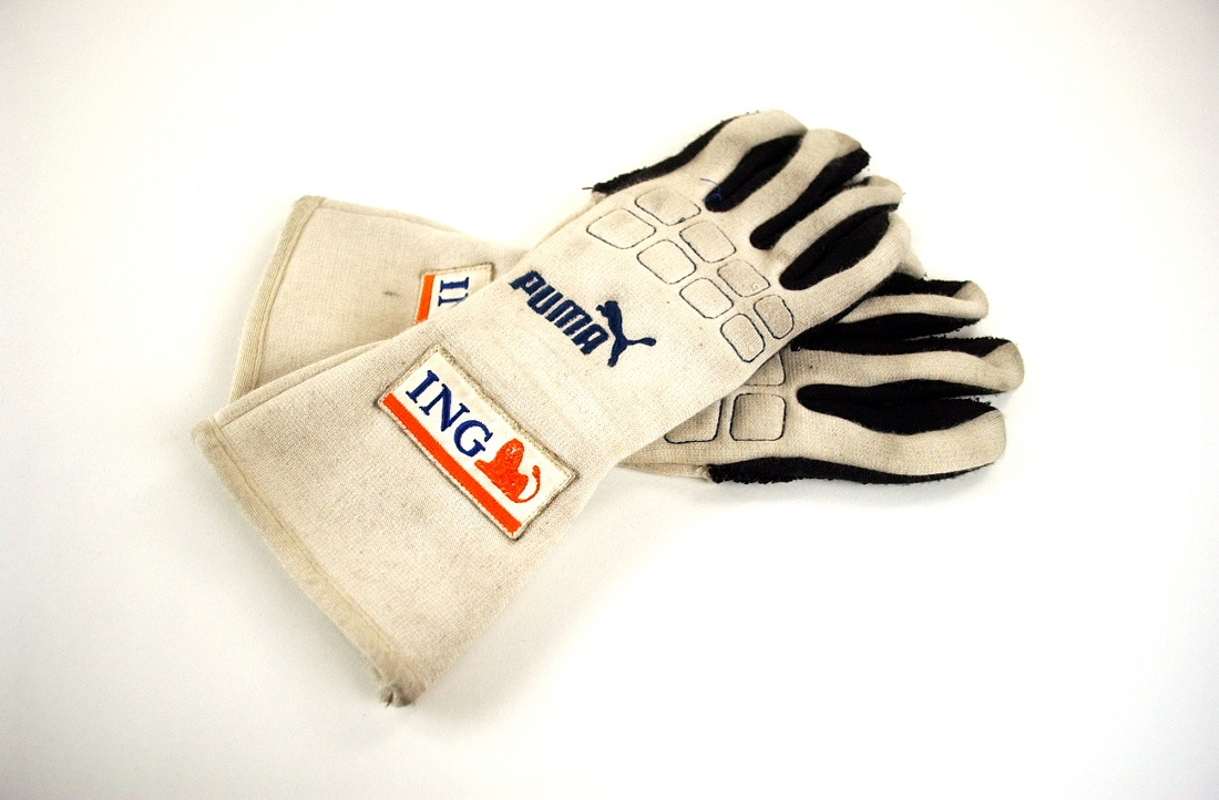 2009 Fernando Alonso original gloves
