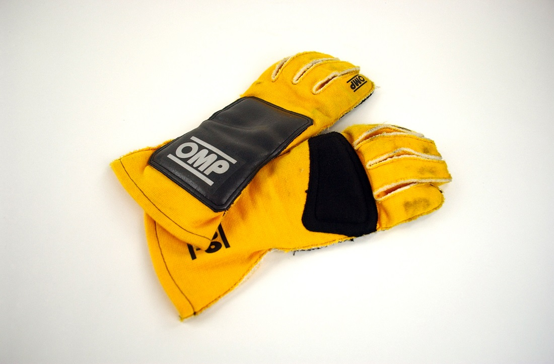 "Original ""f-duct� 2009 Robert Kubica gloves"