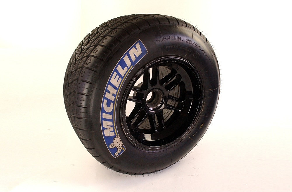 Minardi PS01 complete front wheel with tyre